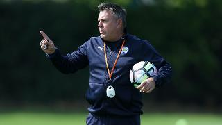 Craig Shakespeare in training