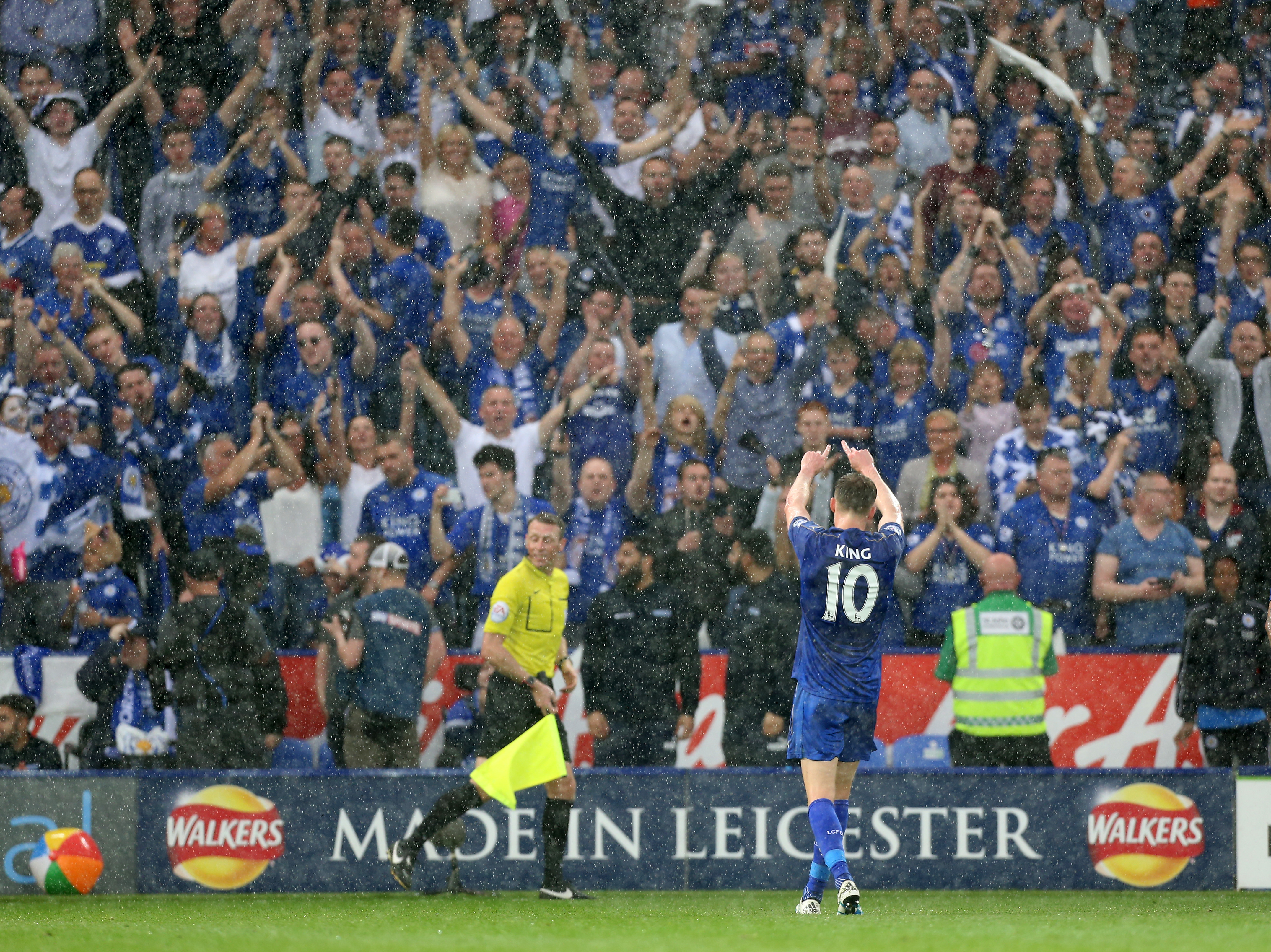 Andy King Leicester City Bids Farewell To A Legend