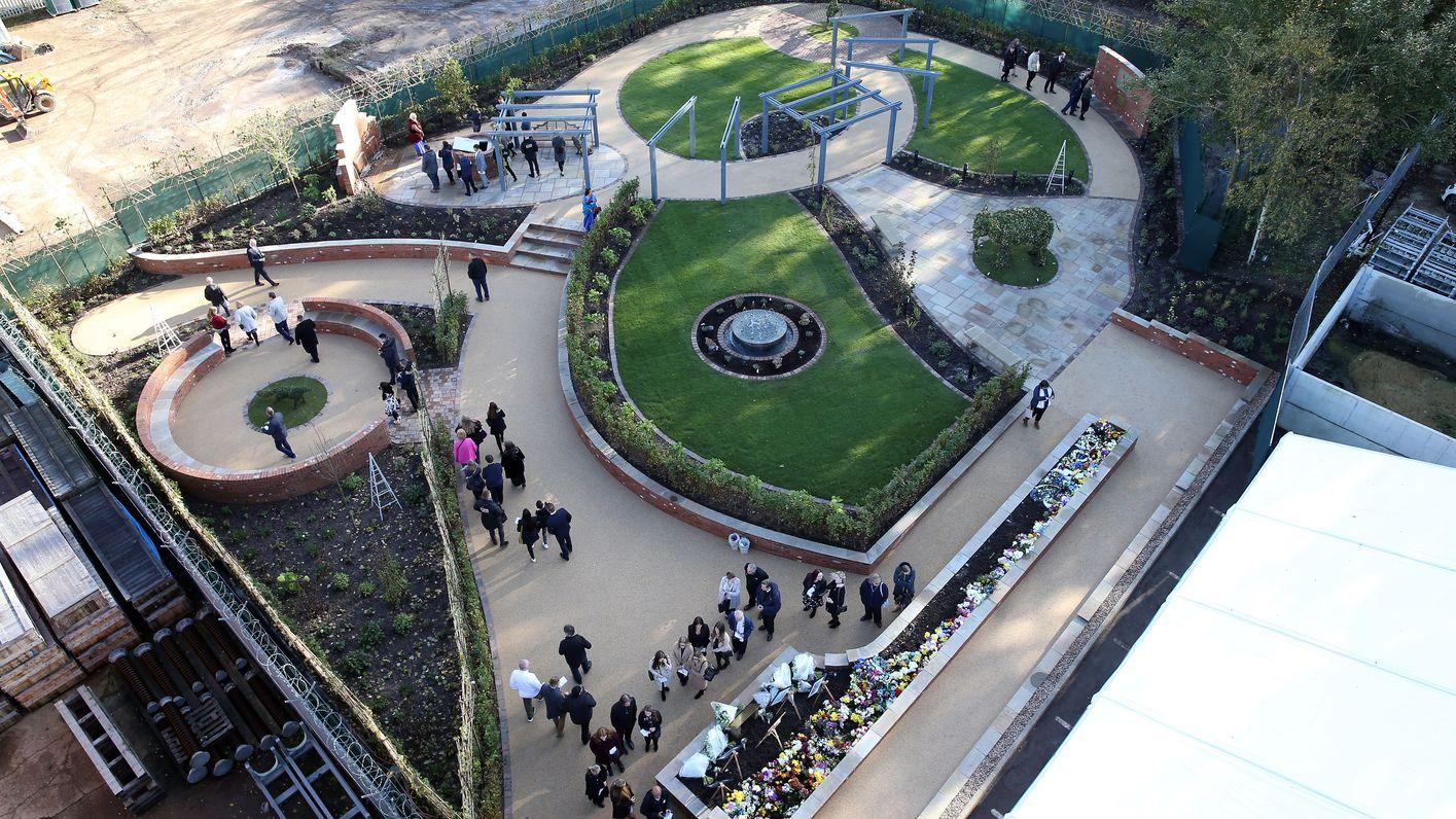 Vichai Srivaddhanaprabha Memorial Garden opening service